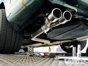 vemp_0905_01_z+chevrolet_corvette_muffler_kit_installation+exhaust_kit_installation